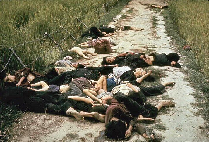 Ronald L. Haeberle, My Lai massacre, veränderte Größe, von www.lexikon-der-politischen-strafprozesse.de, CC0 1.0